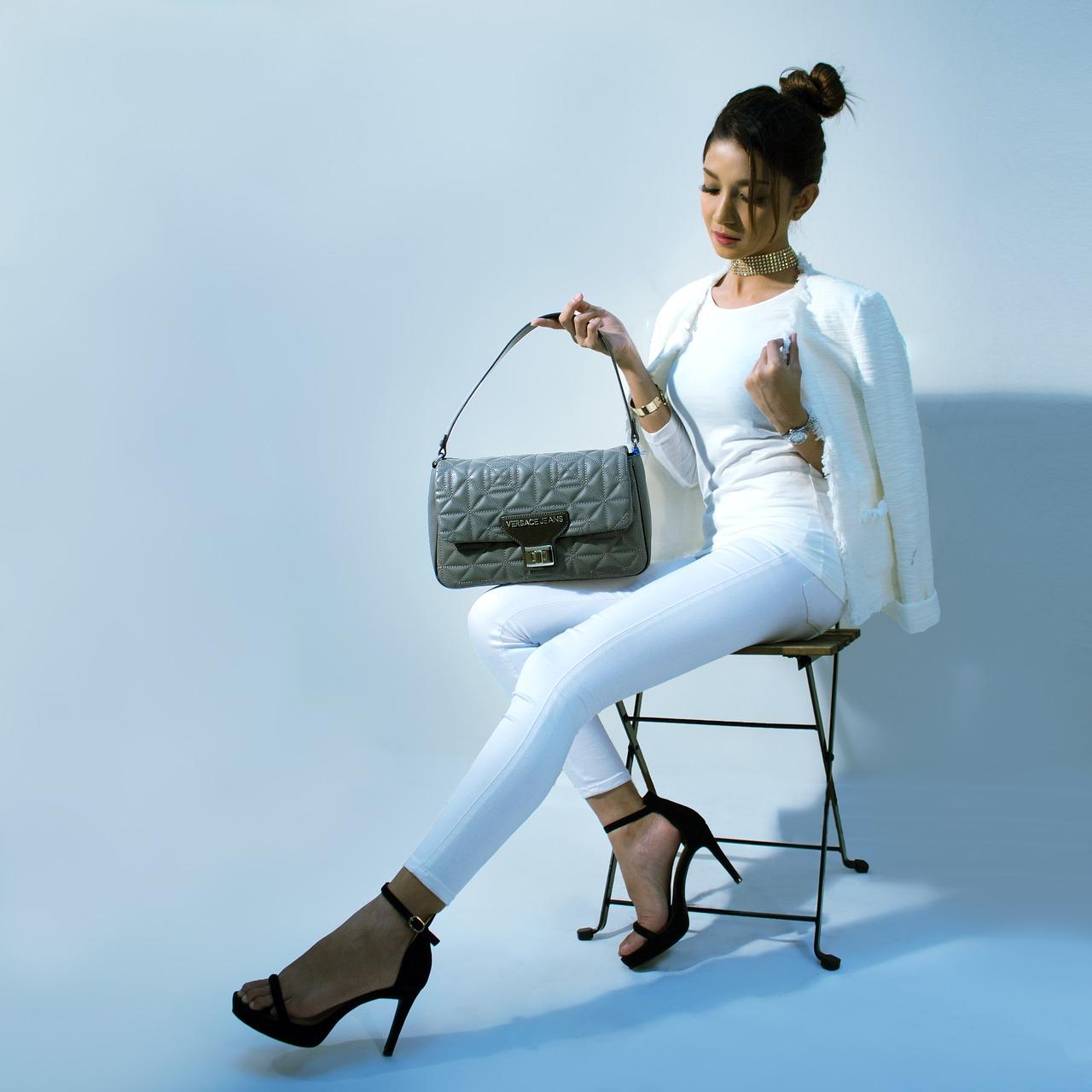 handbags-2251086_1280 (1)
